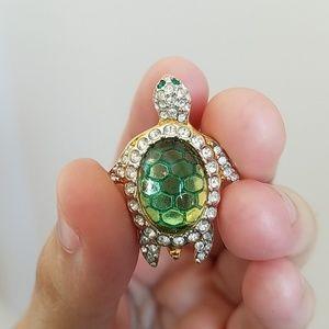 Swarovski Crystal Turtle Pin